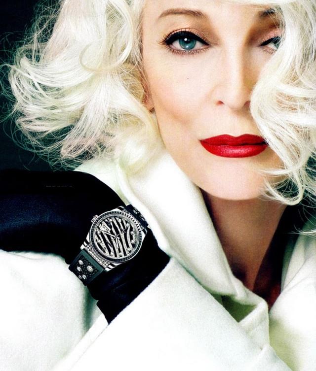 С 2010 года Кармен снялась более чем для 10 обложек модных журналов по всему миру, выступила на показах мод, представляя такие компании, как Norisol Ferrari и Marimekko.