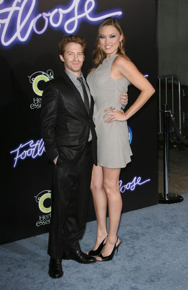 Сет Грин и Клэр Грант. Актеры встретились в 2007 году. По заверениям Клэр, Сет сразу понравился ей, а позже выяснилось, что у них много общего.