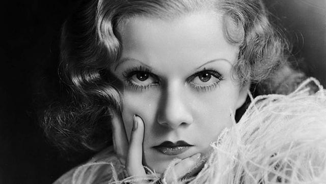 Джин Харлоу. Первая в Голливуде платиновая блондинка с эффектной фигурой успела стать настоящим секс-символом своего времени и пережила немало взлетов и падений.