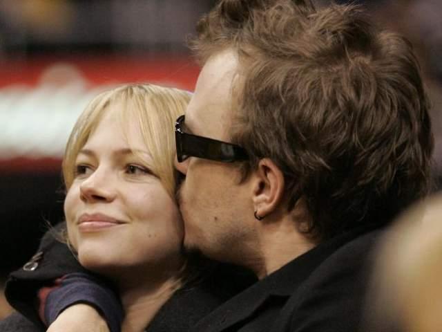 """Однако близкие утверждали, что актер тяжело переживал расставание с актрисой Мишель Уильямс, сыгравшей роль жены персонажа Леджера в """"Горбатой горе""""."""