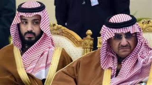 """Покушение на принца Саудовской Аравии Мухаммеда бин Найефа в августе 2009-го считается самым нестандартным. Член """"Аль-Каиды"""" Абдулла аль-Азири решил взорвать себя возле принца. Чтобы охрана пропустила его, смертник ввел пластиковую взрывчатку-свечу в задний проход."""