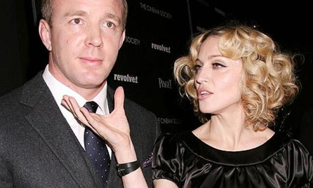 В итоге алименты достались не Мадонне, а Гаю, чье состояние было гораздо скромнее.