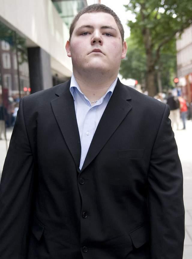 24 мая 2008 года 18-летний актер вступился за своего брата Джейми Нокса в баре. В результате драки был зарезан. Убийца Карл Бишоп получил пожизненное заключение.