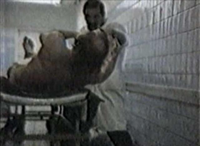 """Главный """"трюк"""" магистра снимался в одном из столичных моргов: на каталке лежал труп, Лонго махал руками, а тело приподнималось..."""