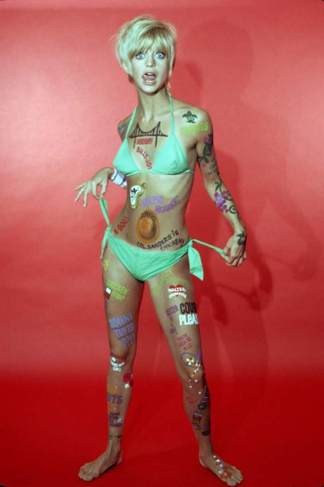 Начинающая актриса и модель Голди Хоун в 1968 году.