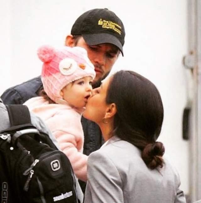 В 2016 году Мила забеременела снова. На этот раз актеры все же решили сообщить прессе об этом заранее — новость о беременности появилась, когда Кунис была на третьем месяце. В прошлом декабре у Милы и Эштона родился сын Димитрий.