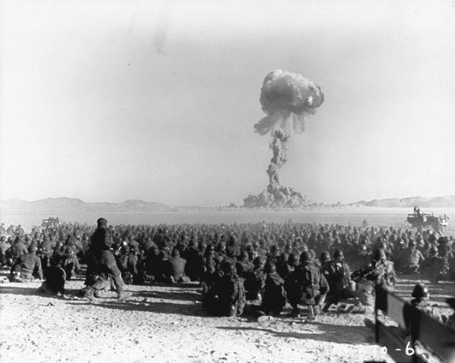 После взрыва от 45 до 60 тысяч военнослужащих были направлены в эпицентр взрыва.