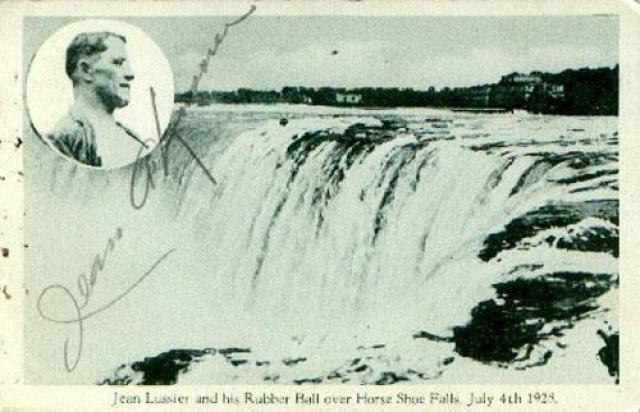 Жаку также удалось выжить, побывав в бездне водопада.