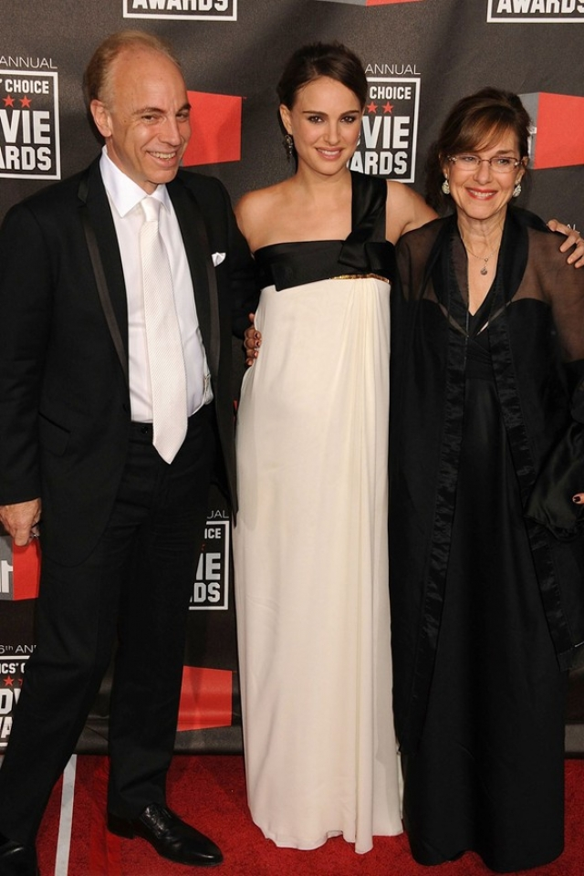 Родители Натали Портман. Актриса - единственная дочь специалиста по лечению бесплодия Авнера Хершлага и домохозяйки Шелли, которая теперь является ее агентом.