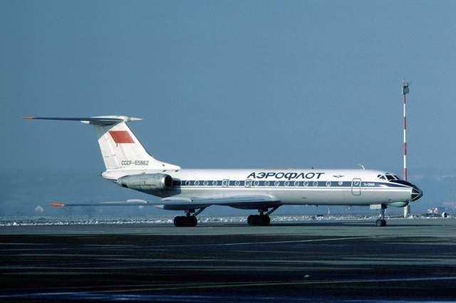 Из материалов дела: рейс №6502 из Свердловска в Грозный был будничным. Взлет прошел без эксцессов, также, как и последующий час полета до места промежуточной посадки - аэропорта города Куйбышев (ныне Самара).