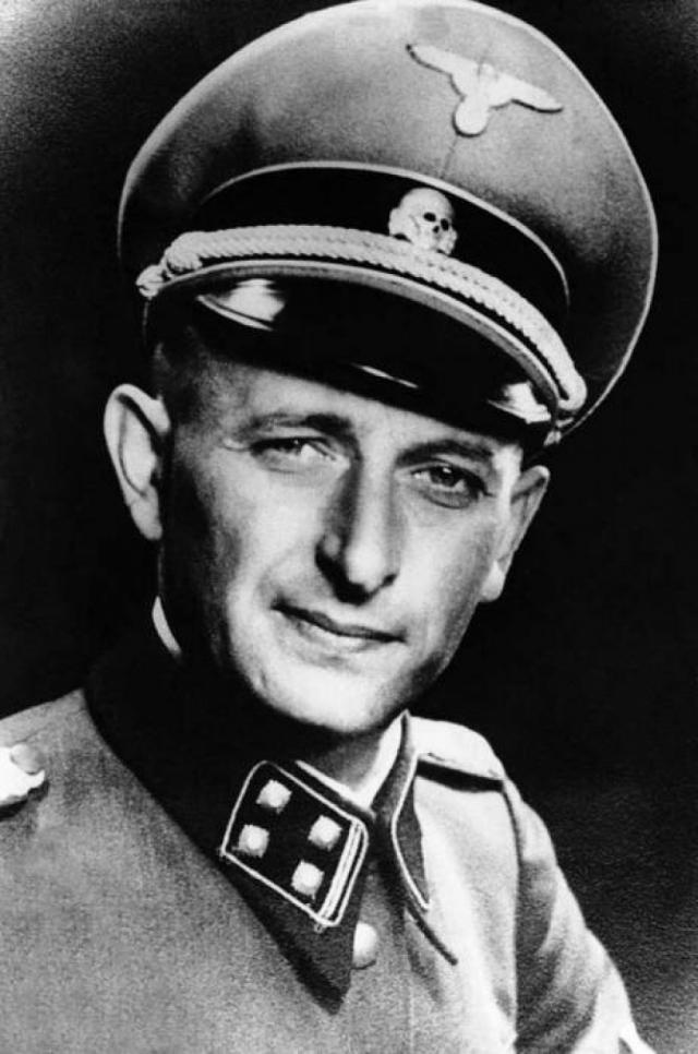 """Адольф Эйхман. Гитлеровский военнослужащий играл важную роль в подготовке и проведении Ванзейской конференции и в реализации """"окончательного решения еврейского вопроса"""": другими словами, в уничтожении европейского еврейства."""