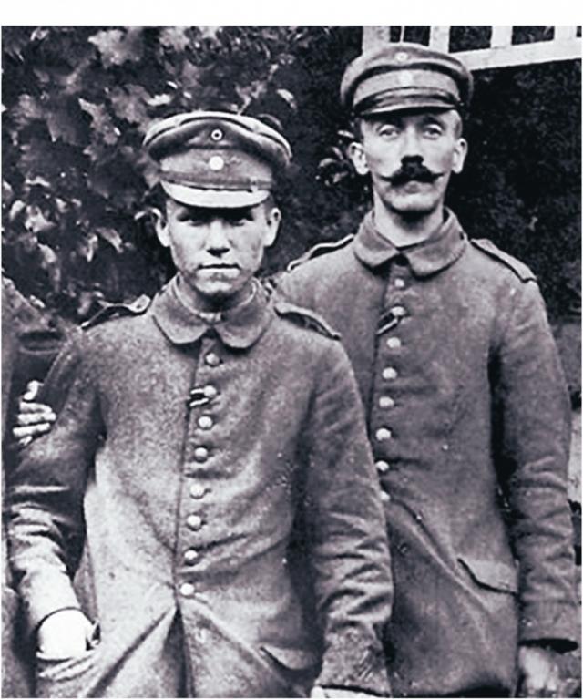 Когда Адольф восстанавливался в госпитале после газовой атаки, он узнал о достижении перемирия, что означало конец войны. Этот факт вызвал гнев тогда еще простого солдата и породило его веру в то, что немцы были преданы собственными лидерами.