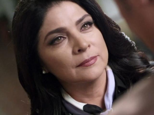 """На съемках она познакомилась и с первым супругом – Эухенио Дербесом, сыном еще одной актрисы сериала """"Просто Мария"""" Сильвии Дербес. В этом браке у актрисы родился сын, но в 1996 году они подали на развод."""
