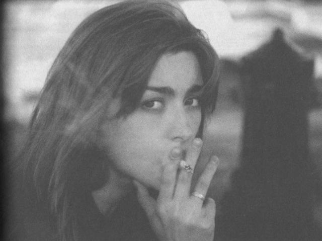 """В мае 1997 года произошел неприятный инцидент: нетрезвая Ника после ссоры с приятелем бросилась к балкону (как потом говорила, """"в шутку""""), не удержалась и повисла."""