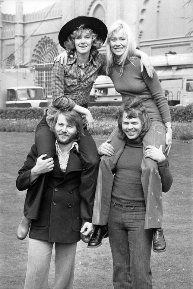 Как позже вспоминала сама Агнета, успех группы ABBA заключался в том, что две любящие пары собирались в студии и делали то, что любили – исполняли и сочиняли музыку.