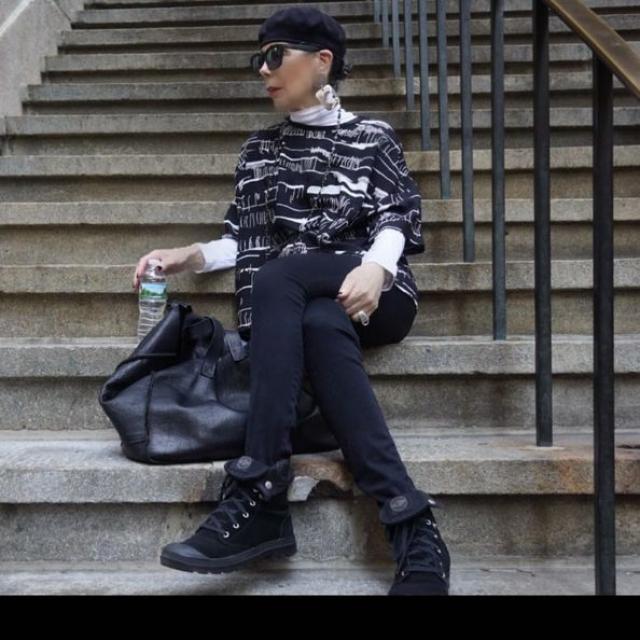 Алида - консультант по стилю, а кроме того обладатель популярного Инстаграм-аккаунта, посвященного моде.