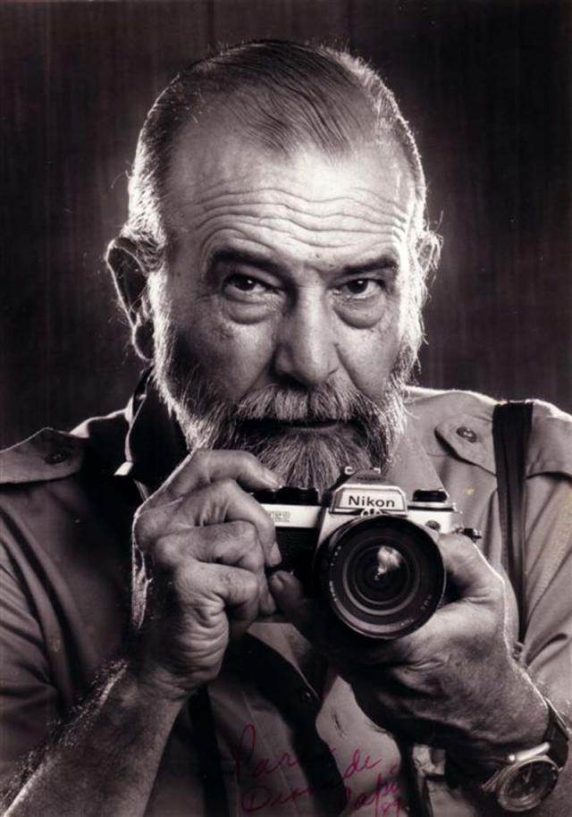 Кстати, из-за кубинских законов фотограф никогда не получал авторских отчислений за изображение.