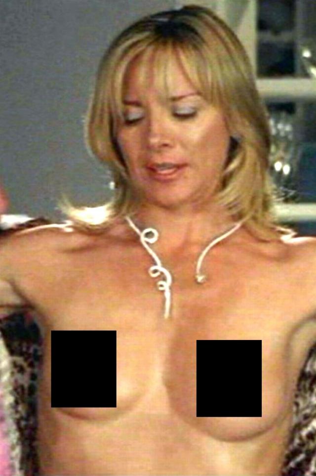 Актриса несколько раз появлялась на экране в откровенном виде.