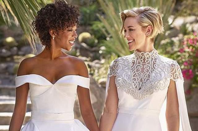 Актриса Самира Уайли и сценарист Лорен Морелли также официально оформили отношения в этом году.
