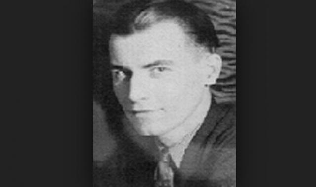 """Джозеф Верес - еще один самозванец, выдававший себя за """"чудом спасшегося цесаревича Алексея"""". Он въехал в Соединенные Штаты во время или после Первой мировой войны. Был клерком в офисе губернатора штата Огайо, женился, имел троих детей."""