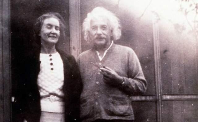Какого рода связь была у Коненковой и Эйнштейна - доподлинно неизвестно. Но в их личных вещах находили послания из личной переписки, наполненные нежными словами.
