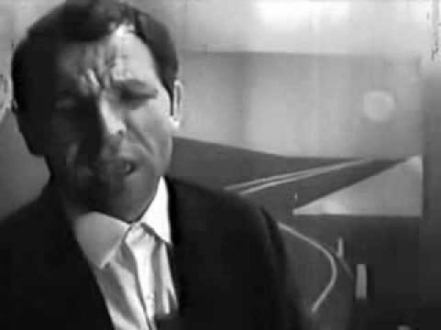 По приказу председателя Гостелерадио Сергея Лапина были уничтожены практически все записи и съемки Макарова до 71-го года. Уцелела лишь одна кинопленка. Певец перебивался редкими концертами.
