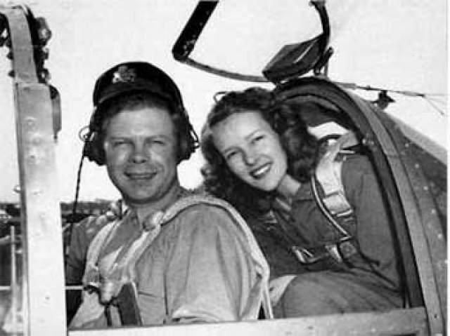 Ричард Бонг. 1920-1945. Самый результативный пилот США. 40 личных побед.После войны разбился в Калифорнии, испытывая реактивный истребитель: у него отказал двигатель. Тогда же шла атомная бомбардировка Хиросимы, но СМИ США все равно размещали заметки о смерти Бонга на первых полосах.