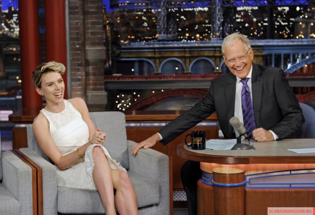 Воспользоваться платком актрисе пришлось во время ток-шоу Tonight на телеканале NBC.