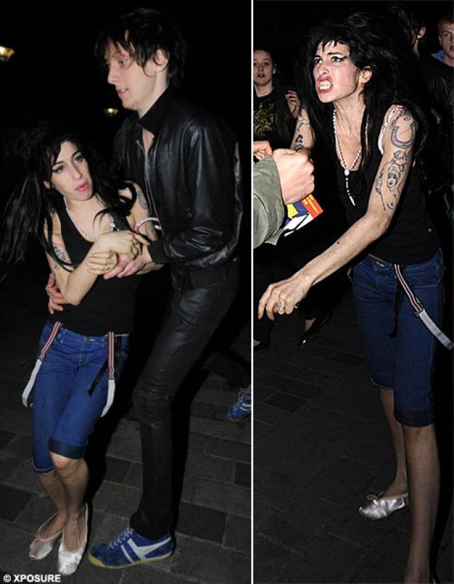 В апреле 2008 Уайнхаус поколотила двоих мужчин возле бара в Лондоне, после чего была арестована на несколько дней.
