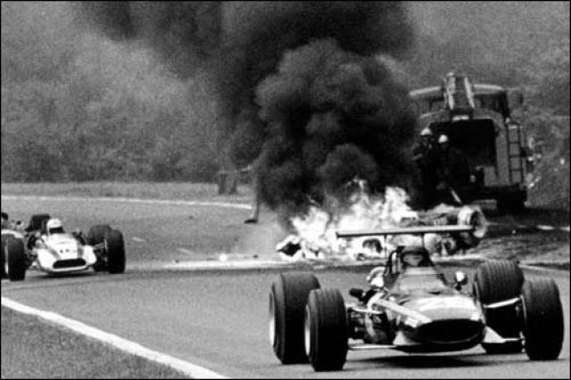 Погиб он в ужасной катастрофе во время Гран-при Нидерландов 1970 года. На его машине оторвалась передняя подвеска, из-за чего он не вошел в крутой поворот, и машина на бешеной скорости съехала с трассы.
