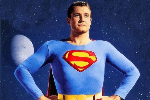 """Джордж Ривз играл Супермена в 1950-е годы. В 1959 году, за восемь дней до назначенной свадьбы, его нашли мертвым с огнестрельным ранением - эта загадочная гибель стала основой для сюжета вышедшего в прошлом году фильма """"Голливудлэнд"""" с Беном Аффлеком."""