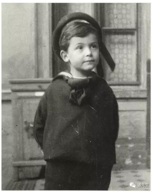 Джон фон Нейман. Еще один венгр в шесть лет мог легко производить вычисления с шестизначными числами, а в восемь запоминал целые страницы телефонных книг.
