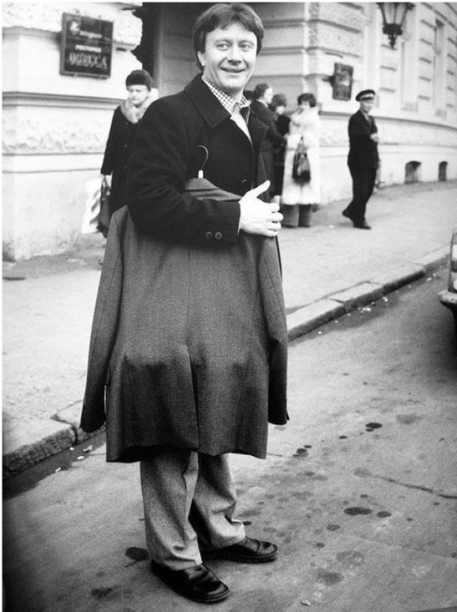 Брак Андрея Миронова и Екатерины Градовой оказался недолгим. Уже в 1974 году они расстались, а в 1976 году официально оформили развод.