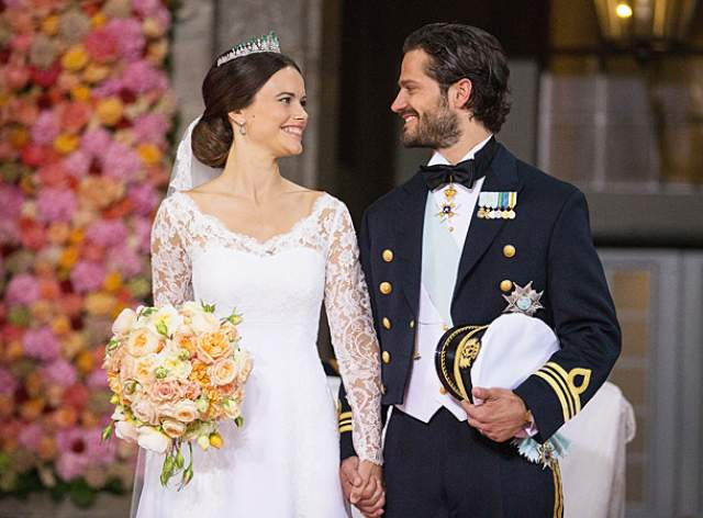 София Хэллквист, 33 года. Муж - Карл Филипп, принц Швеции.В 2009 году в ночном клубе она познакомилась с Филиппом, но встречаться они начали только через год. К тому времени София уже оставила карьеру модели.