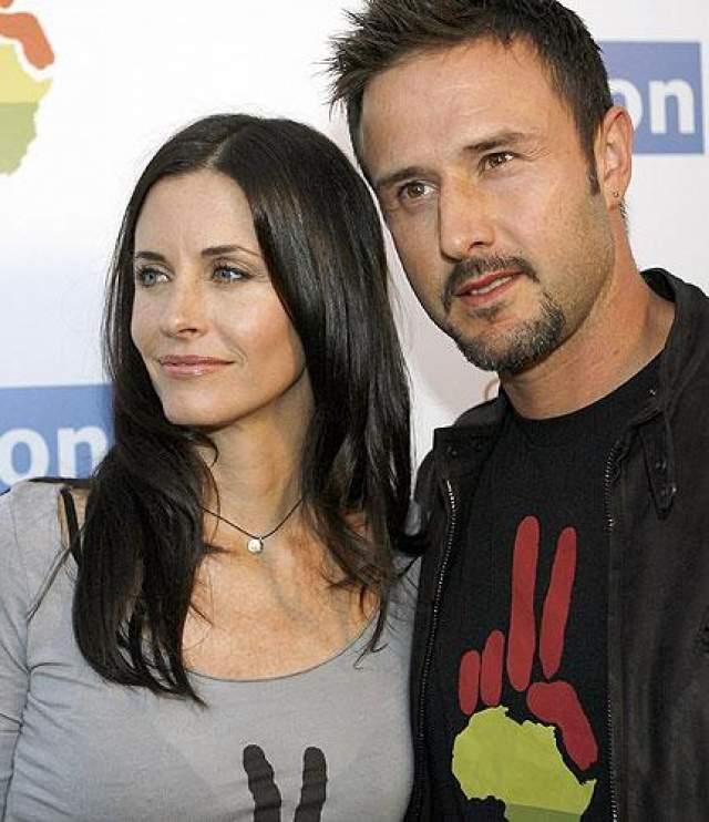 Актер расстался со своей женой Кортни Кокс (они были женаты 11 лет) в октябре 2010 года. Ходили слухи о бесплодии Аркетта, и он решил раскрыть детали своей бывшей семейной жизни на радиошоу.