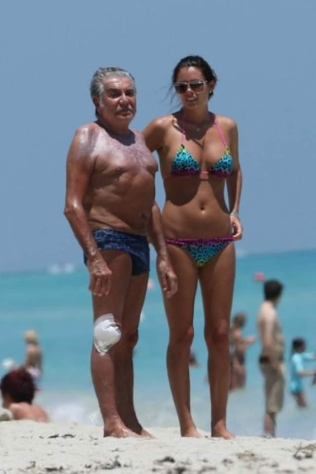 Со временем отношения пары стали больше деловыми - у Евы пошел в гору бизнес, а 70-летний на тот момент Кавалли вновь захотел разнообразия и нашел себе молоденькую подружку, 20-летнюю шведскую футболистку Лину Нильсон.