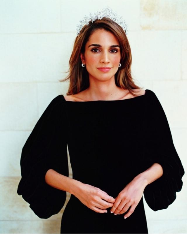 Рания Аль-Абдулла. Красавица является королевой Иордании уже более 17 лет.