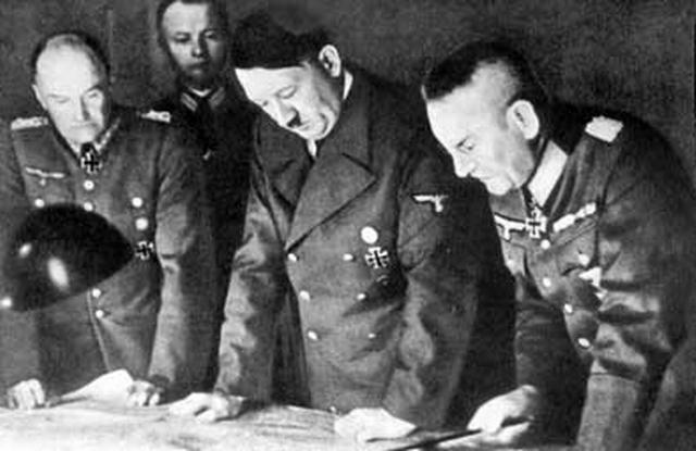 """Для бегства из Германии нацистские преступники использовали так называемые """"Крысиные тропы"""" - систему маршрутов бегства нацистских преступников из Европы в конце и после окончания Второй мировой войны."""