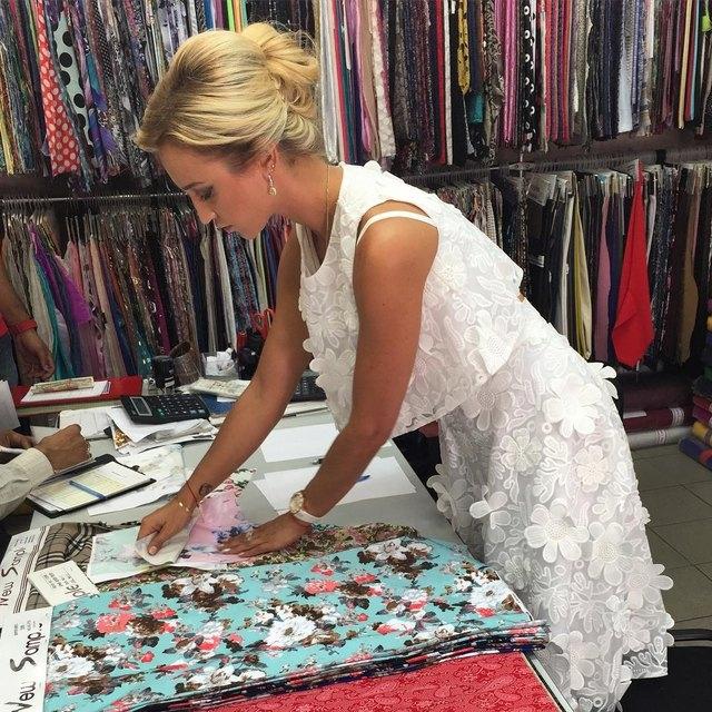 При всем вышеперечисленном Ольга выпустила несколько коллекций одежды!