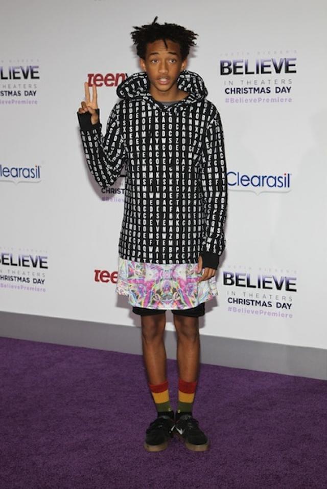 Сын Уилла Смита и уже довольно успешный актер Джейден Смит выбрал для красной ковровой дорожки сочетание шортов и… платья?