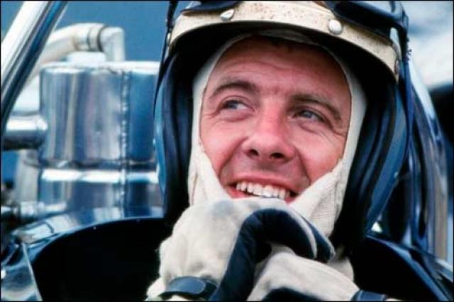 Пирс Каридж принимал участие в гонках Формулы-1 с 1967 года и до своей смерти в 1970 году. Сотрудничал со многими командами - Lotus, McLaren, Brabham BT26. Кариджу так и не удалось победить на чемпионате мира, но два раза он приходил вторым - на Гран-при Монако и Гран-при США.