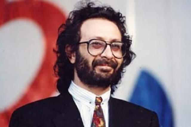 """С 1980 по 1983 год выступал с группой """"Аракс"""" как гитарист, после был в аккомпанирующем составе Юрия Антонова """"Аэробус"""", группы """"Наутилус-Шанхай"""" из Москвы, а созданной им группой """"Шанхай"""" в 1988-1989 году выпустил два сольных альбома."""