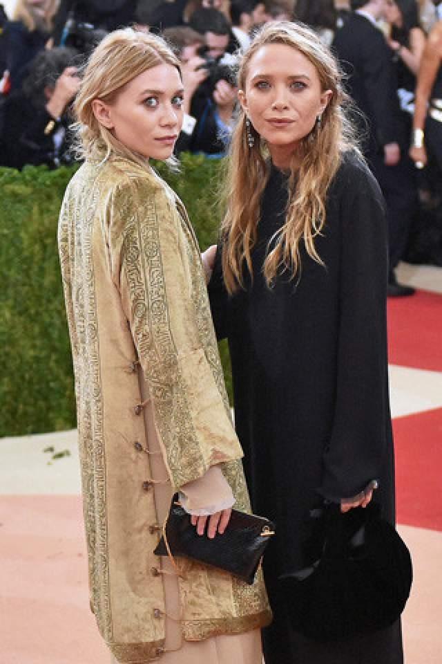 При этом в новой сфере сестры Олсен стали очень успешны: они владеют продюсерской компанией, разрабатывают дизайнерские линейки одежды и парфюмерии, благодаря чем попали в список самых богатых женщин журнала Forbes.