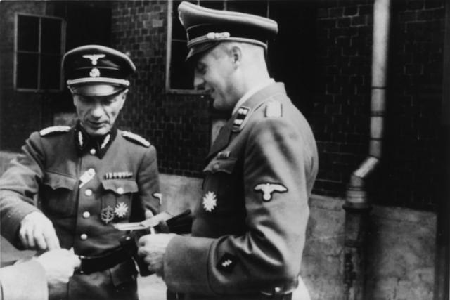 В Освенциме и других лагерях эксперименты проводились под руководством доктора Эдуарда Виртса.
