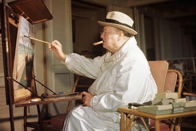 Он настолько сильно любил рисовать, что построил себе художественную студию в саду своего поместья и проводил там довольно много времени в одиночестве