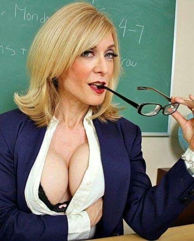 """Нина Хартли. Актриса является настоящей легендой """"кино для взрослых"""", на ее счету более 900 порнофильмов!!! А в индустрии порно она с 1984 года! И в свои 53 года Хартли продолжает регулярно сниматься."""