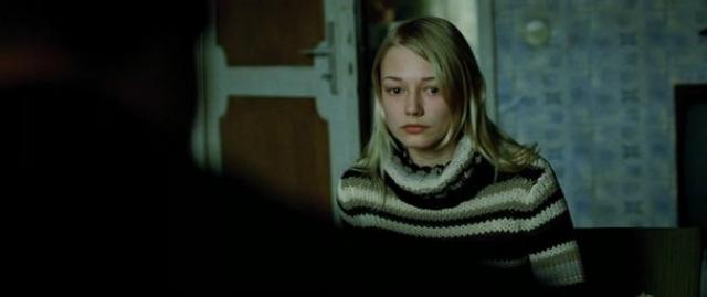 В финальных сценах Акиньшина сыграла дочь убитого Борном русского.