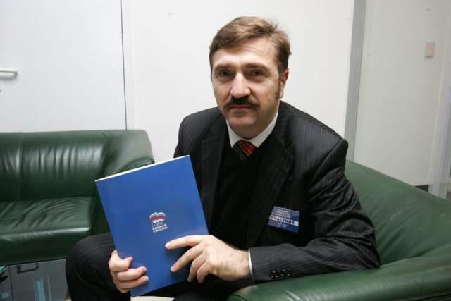 После стал депутатом Государственной думы, где руководил комитетом по информационной политике.