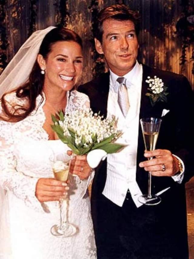 Пирс Броснан и Кили Шей Смит ($1,5 млн). Агент 007 и телеведущая поженились 4 августа 2001 года в аббатстве Ballintubber в Ирландии.