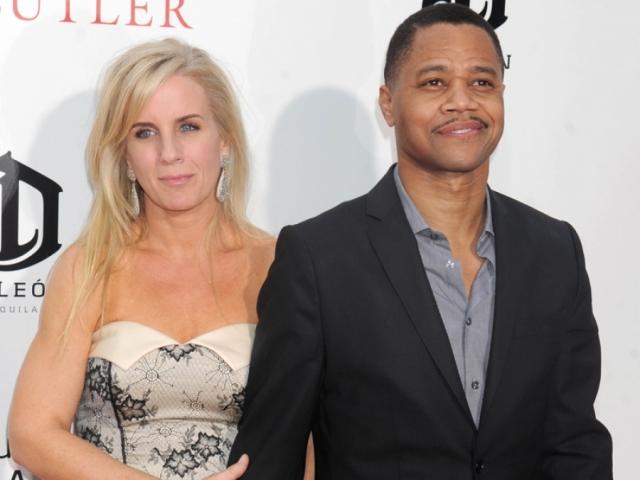 Кьюба Гудинг-младший и Сара Капфер. Темнокожий актер познакомился с будущей супругой еще в школе, а в 1994 году женился на ней.